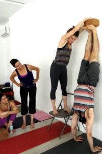 MTY Handstand Julio. 400x600